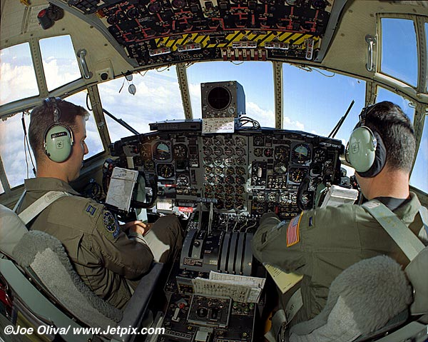 Displays and InstrumentsCrew  C 130 Cockpit